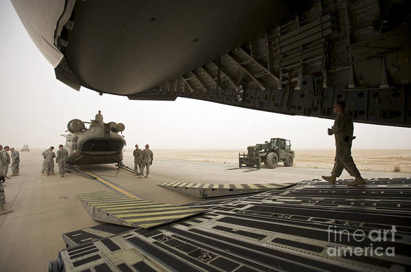 C-17 Photograph - Tikrit, Iraq - A Ch-47 Chinook by Terry Moore