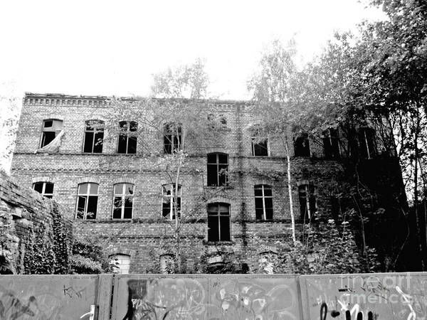 Photograph - Urban Decay In Wittenberg by Chani Demuijlder