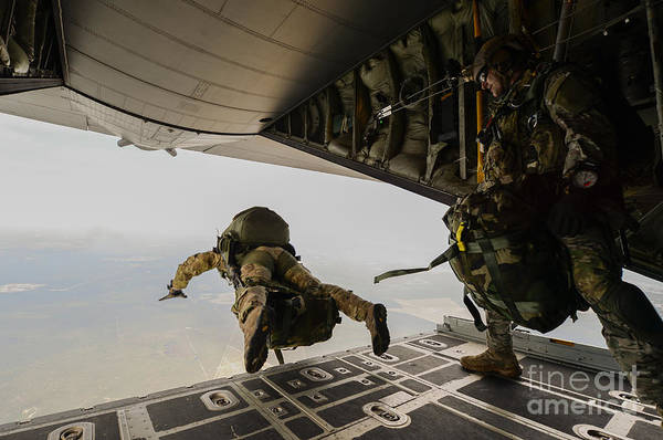 Skydiver Photograph - U.s. Army Green Berets Jump by Stocktrek Images