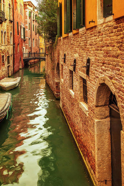 Wall Art - Photograph - Venice Alley by Andrew Soundarajan