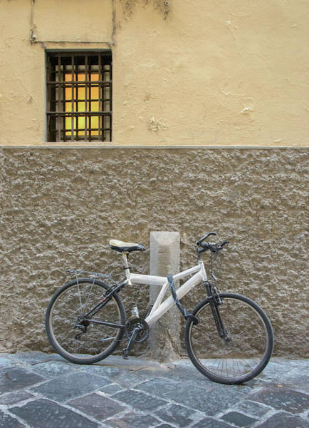 Photograph - White Bicycle Against Textured Wall In Rome by Gary Slawsky