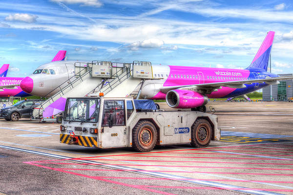 Wall Art - Photograph - Wizz Air Airbus A321 by David Pyatt