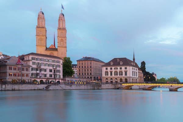 Zuerich Wall Art - Photograph - Zuerich by Christian Heeb