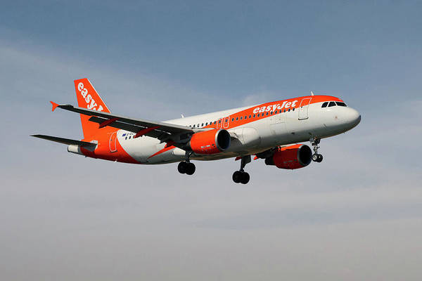 Easyjet Wall Art - Photograph - Easyjet Airbus A319-111 by Smart Aviation