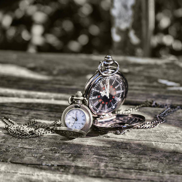Photograph - 10 Oclock Pocketwatch by Sharon Popek
