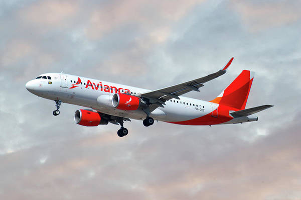 Airbus A320-214 Wall Art - Photograph - Avianca Airbus A320-214 by Smart Aviation