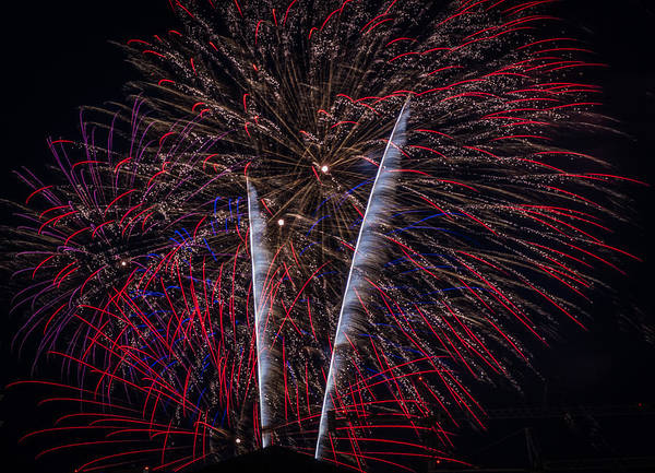 Photograph - Fireworks 2015 Sarasota 26 by Richard Goldman