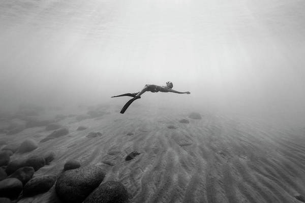 Dive Wall Art - Photograph - 160819-8466 by Enric Gener