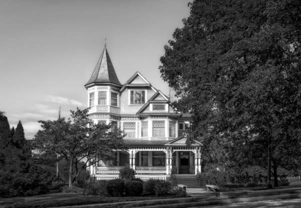 Queen Anne Style Photograph - 1902 L.h. Brightman House - 2 by Frank J Benz