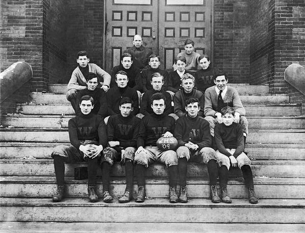 Wall Art - Photograph - 1909 Football Team by Underwood Archives