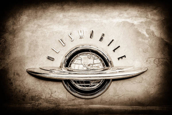 Oldsmobile Wall Art - Photograph - 1952 Oldsmobile 98 Holiday Hardtop Emblem -0676s by Jill Reger
