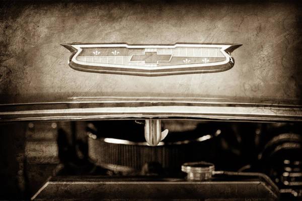 Wall Art - Photograph - 1955 Chevrolet Bel Air Emblem -1033s by Jill Reger