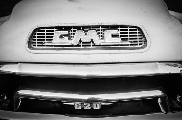 Photograph - 1955 Gmc Pickup Truck Grille Emblem -0314bw1 by Jill Reger
