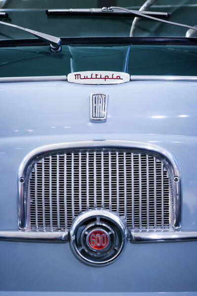 Wall Art - Photograph - 1956 Fiat 600 Multipla Grille Emblem -0133c by Jill Reger