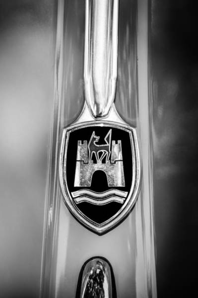 Photograph - 1956 Volkswagen Vw Beetle Emblem -0920bw by Jill Reger