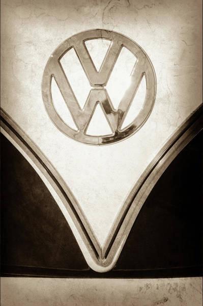 Wall Art - Photograph - 1958 Volkswagen Vw Bus Emblem -0274s by Jill Reger