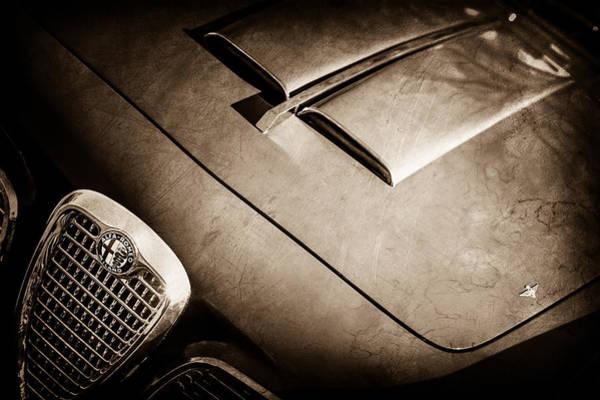 Wall Art - Photograph - 1959 Alfa Romeo 2000 Spider Grille Emblem -0482s by Jill Reger