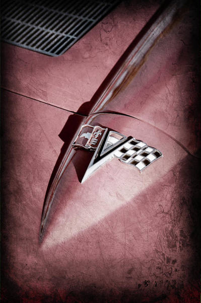 Wall Art - Photograph - 1963 Chevrolet Corvette Split Window Emblem -0400ac by Jill Reger