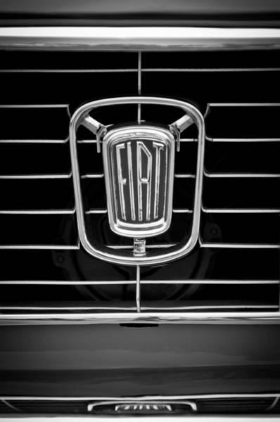 Cabriolet Photograph - 1964 Fiat Cabriolet Grille Emblem -1943bw by Jill Reger