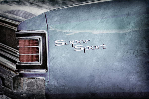 Wall Art - Photograph - 1967 Chevrolet Chevelle Ss Super Sport Taillight Emblem -0288ac by Jill Reger