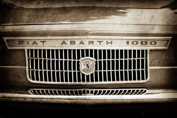Otr Wall Art - Photograph - 1967 Fiat Abarth 1000 Otr Grille Emblem -0588s by Jill Reger
