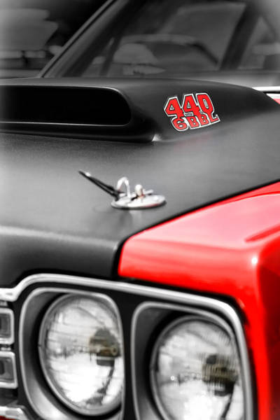 426 Photograph - 1969 Plymouth Road Runner 440 6bbl by Gordon Dean II