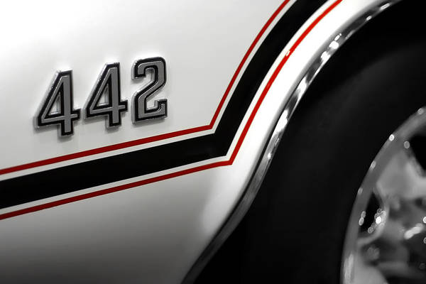 Oldsmobile 442 Wall Art - Photograph - 1970 Olds 442 Indy 500 Pace Car by Gordon Dean II