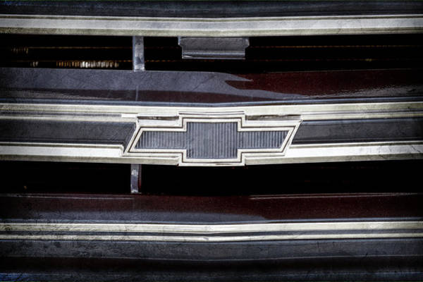 Wall Art - Photograph - 1971 Chevrolet Grille Emblem -0763ac by Jill Reger