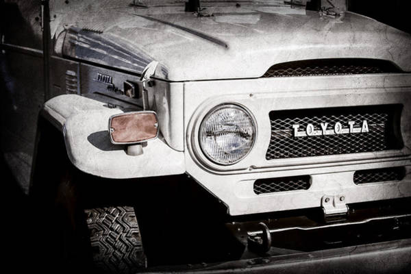 Wall Art - Photograph - 1973 Toyota Fj40 Land Cruiser Grille Emblem -1918ac by Jill Reger