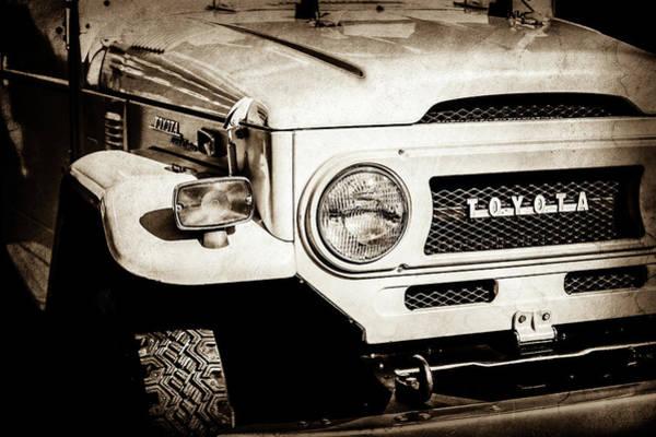 Photograph - 1973 Toyota Fj40 Land Cruiser Grille Emblem -1918s by Jill Reger