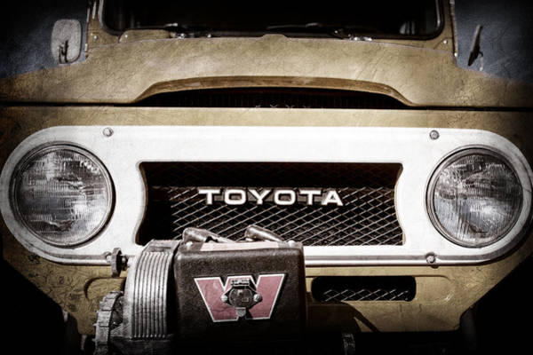 Wall Art - Photograph - 1978 Toyota Land Cruiser Fj40 Grille Emblem -0558ac by Jill Reger