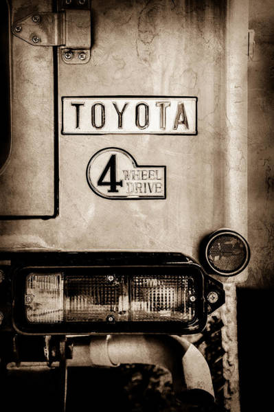 Wall Art - Photograph - 1978 Toyota Land Cruiser Fj40 Taillight Emblem -1191s by Jill Reger