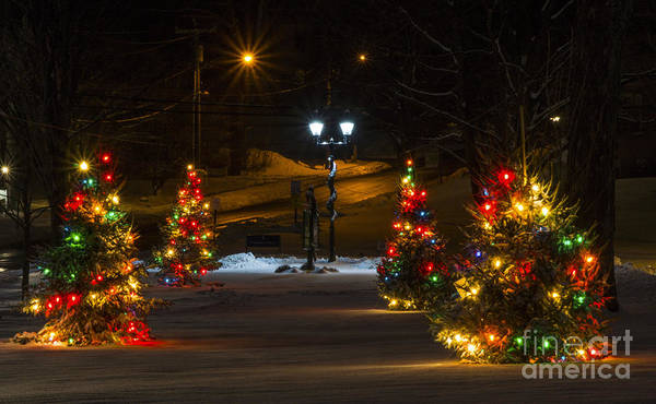 Photograph - Christmas In New Milford. by New England Photography