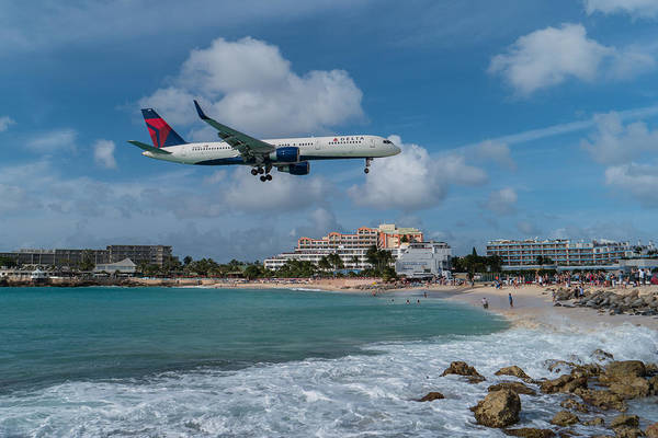 Delta Air Lines Wall Art - Photograph - Delta Air Lines Landing At St. Maarten by David Gleeson
