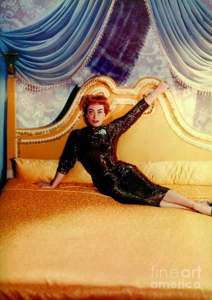 Crawford Photograph - Joan Crawford (1905-1977) by Granger