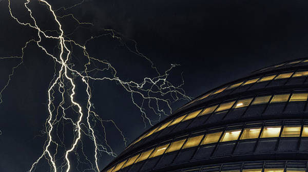 Realistic Photograph - Lightning Strike by Martin Newman