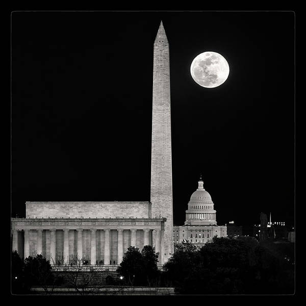 Wall Art - Photograph - Monumental Night by Robert Fawcett
