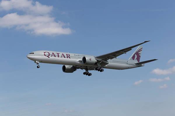 Wall Art - Photograph - Qatar Airlines Boeing 777 by David Pyatt