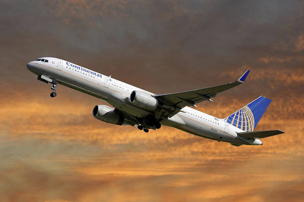 Aeroplane Photograph - United Airlines Boeing 757-224 by Smart Aviation