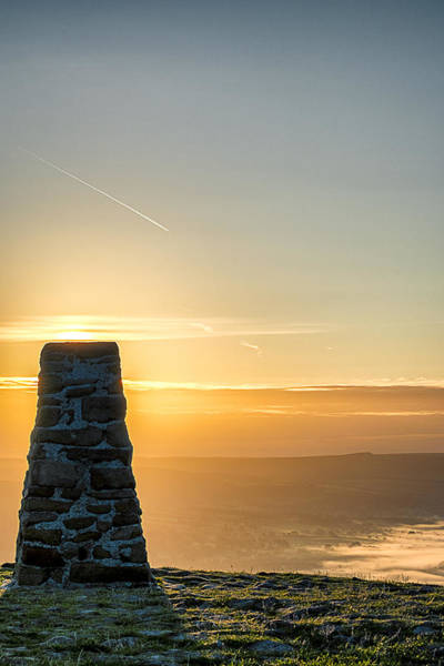View Over The Hope Valley From Mam Tor At Dawn Art Print