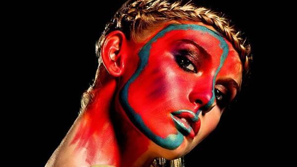Digital Art - Women by Maye Loeser