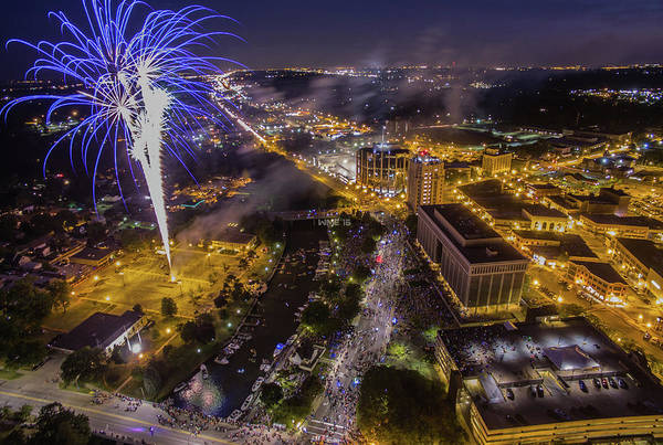 Mount Clemens Photograph - 2016 Mount Clemens Fireworks by William Elling