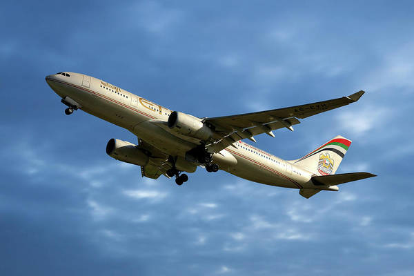 Wall Art - Photograph - Etihad Airways Airbus A330-243 by Smart Aviation