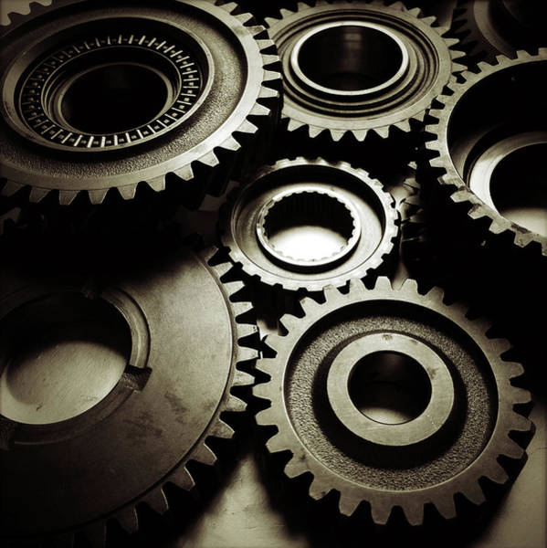 Gears Photograph - Cogs No6 by Les Cunliffe