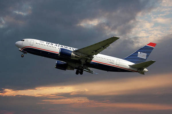 Boeing 767 Wall Art - Photograph - American Airlines Boeing 767-200 by Smart Aviation