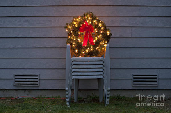 Photograph - Christmas Wreath On Lawn Chairs by Jim Corwin