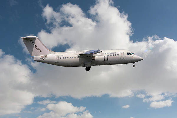 Avro Wall Art - Photograph - Cityjet Avro Rj85 by Smart Aviation