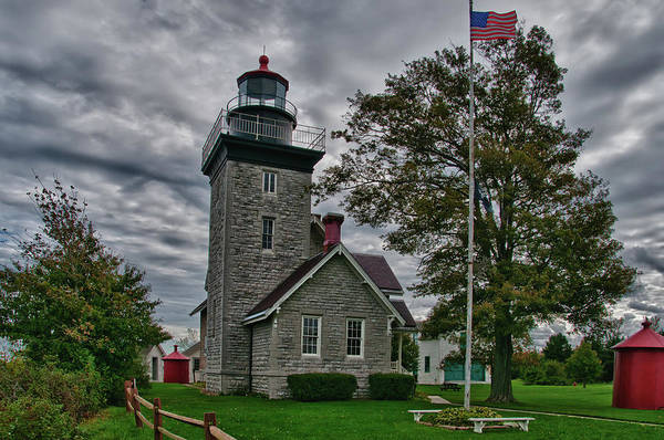 Photograph - 30-mile Point Lighthouse 3197 by Guy Whiteley