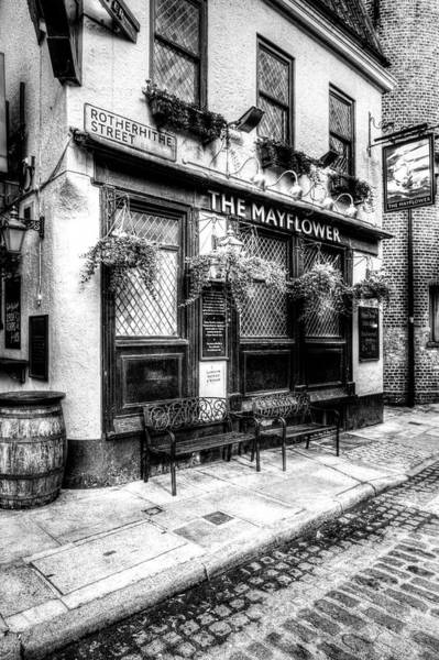 Wall Art - Photograph - The Mayflower Pub London by David Pyatt