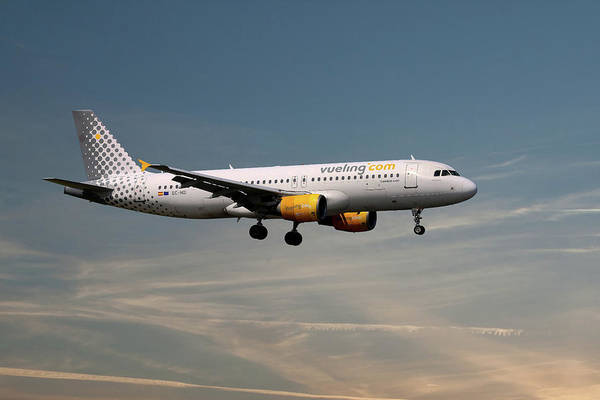 Airbus A320-214 Wall Art - Photograph - Vueling Airbus A320-214 by Smart Aviation